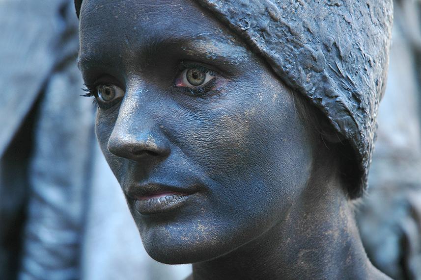 031 Mariken van Nimwegen - Living Statue - Levend Standbeeld 01