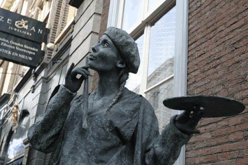 044 Kunstschilderes - Lady Painter - Living Statue - Levend Standbeeld 01