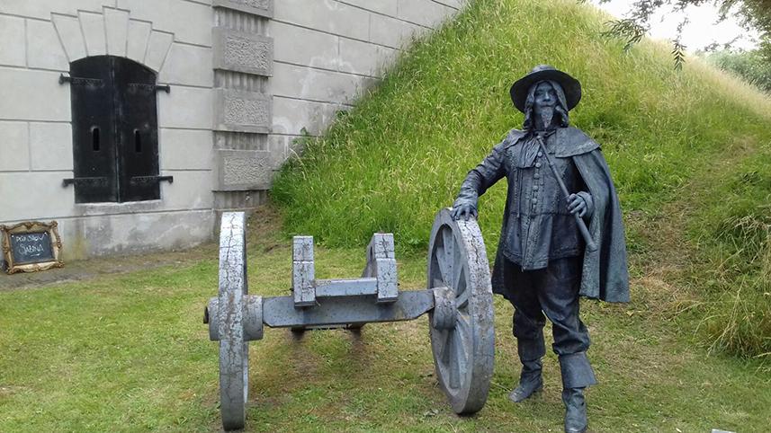 048 Ontdekkingsreiziger - Explorer - Living Statue - Levend Standbeeld 01
