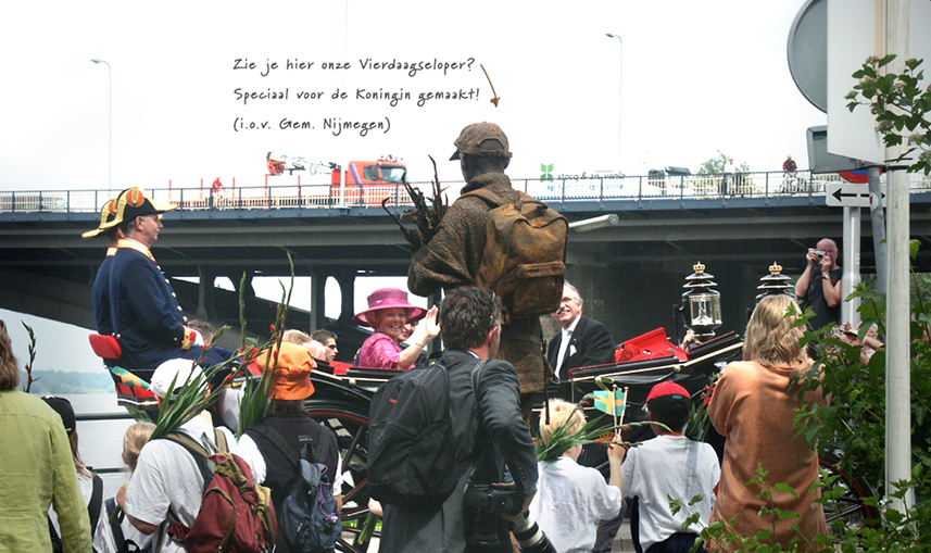 050 Vierdaagseloper - Four Day Marches Walker - Living Statue - Levend Standbeeld 01