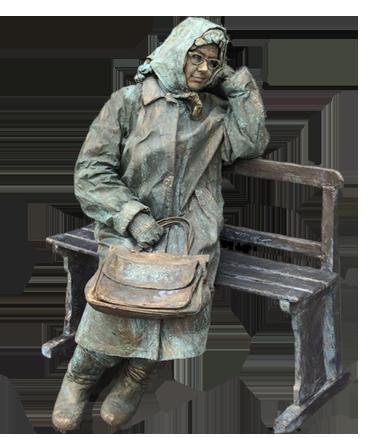 055 Mevrouw de Vries op Bankje - Ms de Vries On Bench - Living Statue - Levend Standbeeld