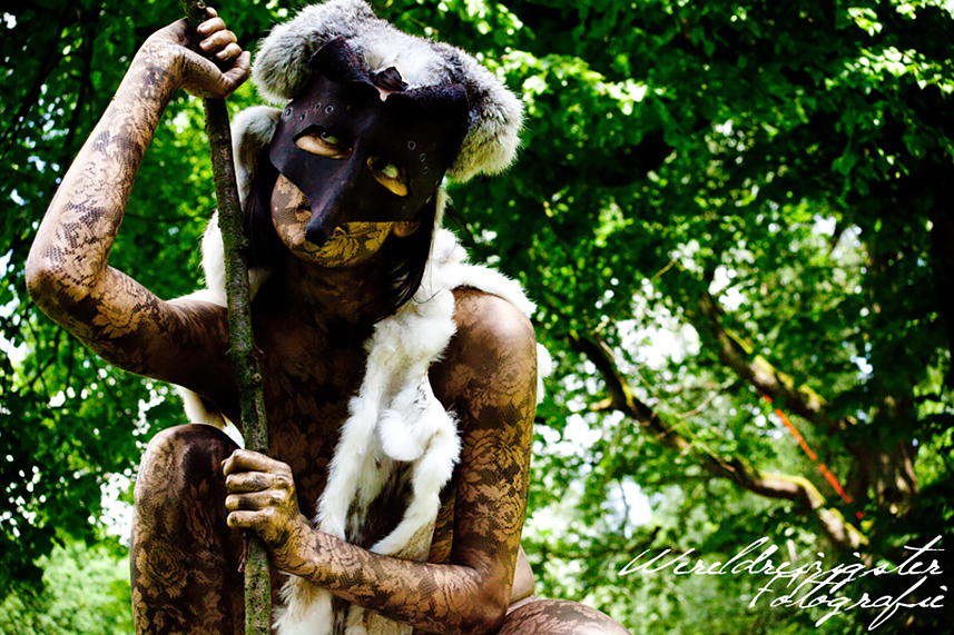 057 De Wildvrouw - Wild Woman - Living Statue - Levend Standbeeld 01
