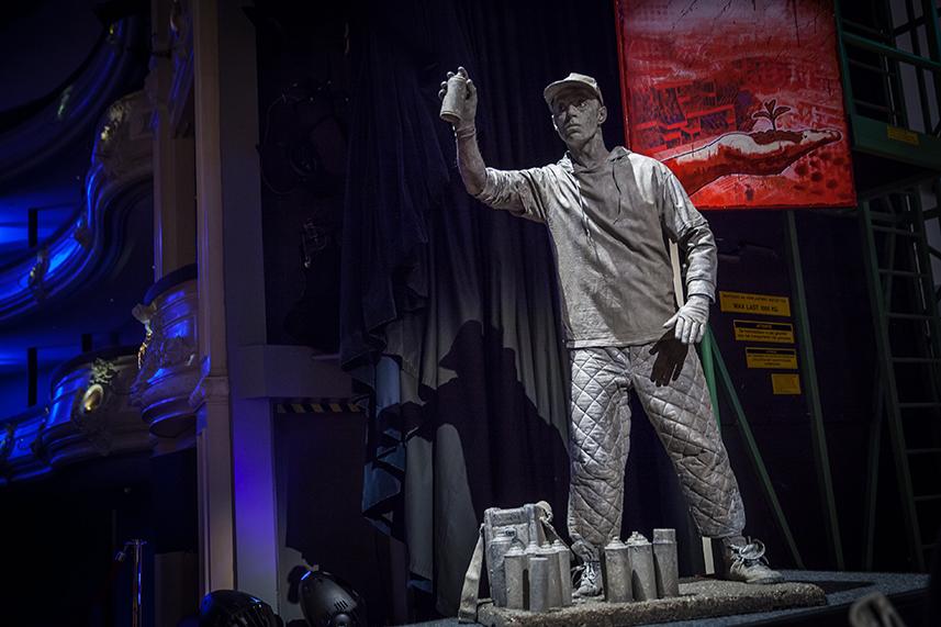 072 Graffiti Artist - Living Statue - Levend Standbeeld 01