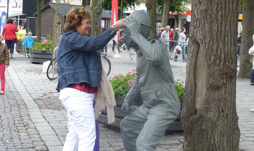 083 Bouwaap - Construction Monkey - Living Statue - Levend Standbeeld 01