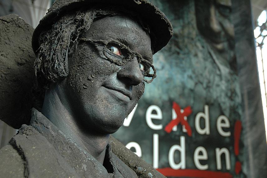 090 Grondman - Earth Man - Living Statue - Levend Standbeeld 01