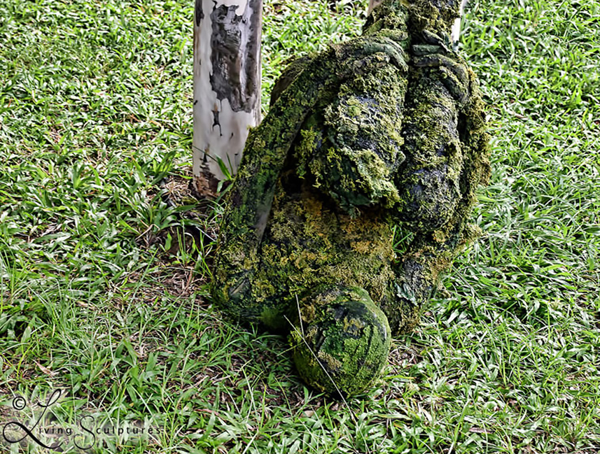 098 Mosmens - Moss Creature - Living Statue - Levend Standbeeld 01